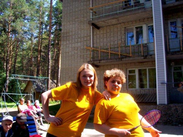 (Слева - Настя, справа - Таня)