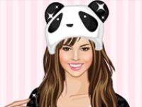 Девушка в шапке панды