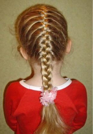 Как правильно заплести простую французскую косу самой себе?