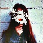 alternative-flowers-girl-grunge-Favim